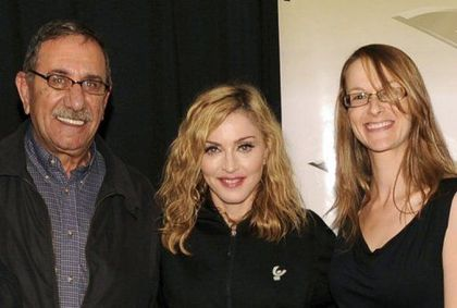 Madonna - MDNA Tour: Madonna meets Arab and Israeli founders of the Peace NGO Forum