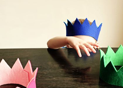 diy-felt-crown-d.jpg