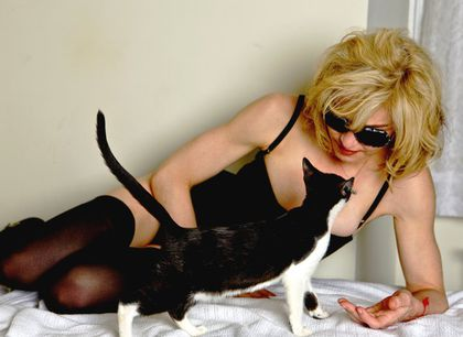 Madonna and the cat for D&G by Steven Klein: Outtakes