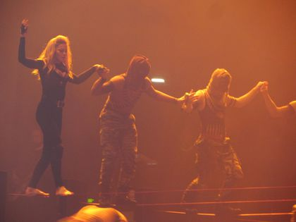 Madonna - MDNA Tour: Walking on a tightrope