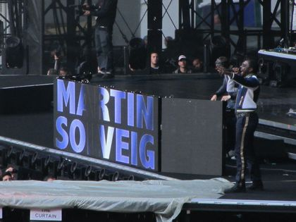 Madonna - MDNA Tour: Special guest with Martin Solveig: Will.i.am from Black Eyed Peas!