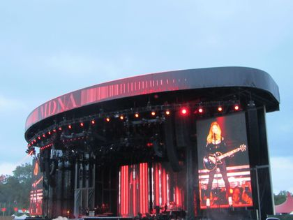 Madonna - MDNA Tour: Fans pictures from the show in London, UK - July 17, 2012