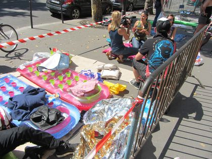 Madonna - MDNA Tour: Fans camping at L'Olympia in Paris - July 26, 2012