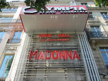 Madonna - MDNA Tour: Fans pictures before the show at L'Olympia in Paris