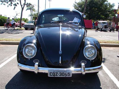 VW-BEETLE black3