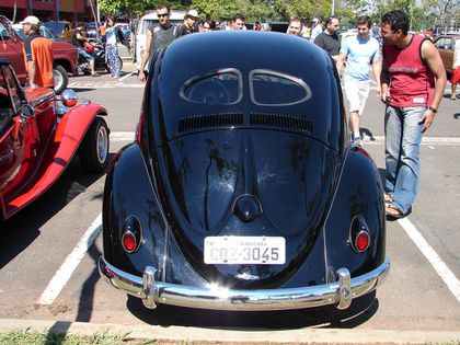 VW-BEETLE black4