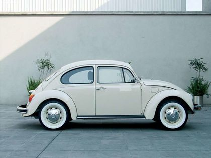 Volkswagen-Beetle_Last_Edition_2003_1024x768_wallpaper_05.jpg