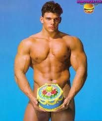 http://img.over-blog.com/420x500/3/00/95/26/Mes-Documents/Documents-2/gateau-d-anniversaire-sexy-1.jpg