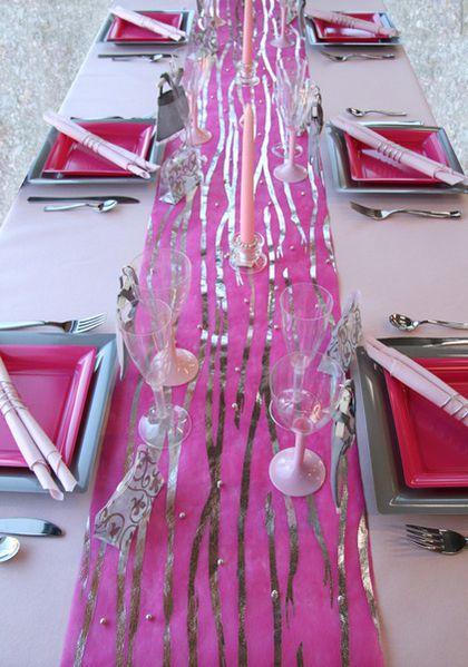 d coration de table rose fuchsia gris le blog d 39 articles d coration accessoires. Black Bedroom Furniture Sets. Home Design Ideas