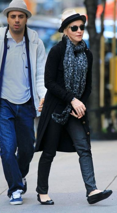 Madonna at the Kabbalah centre in New York - October 30, 2010