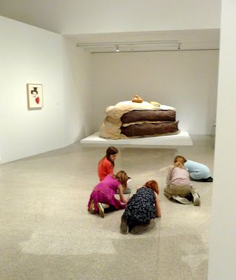 claes-Oldenburg--Gateau.jpg