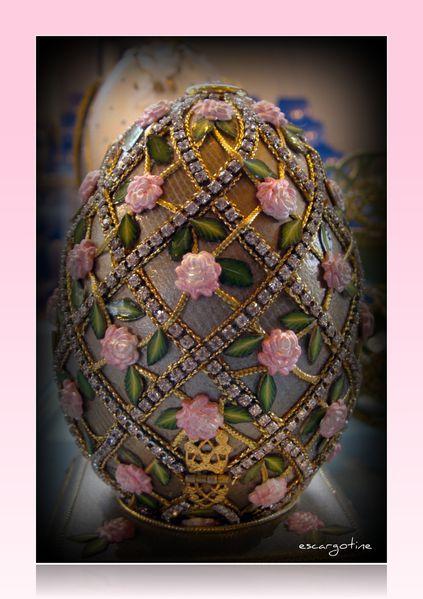 2011-04-03bis salon des oeufs décorés table mar-copie-12