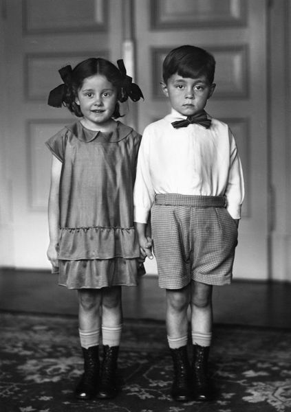 August-Sander--Middle-Class-Children--1925.jpg