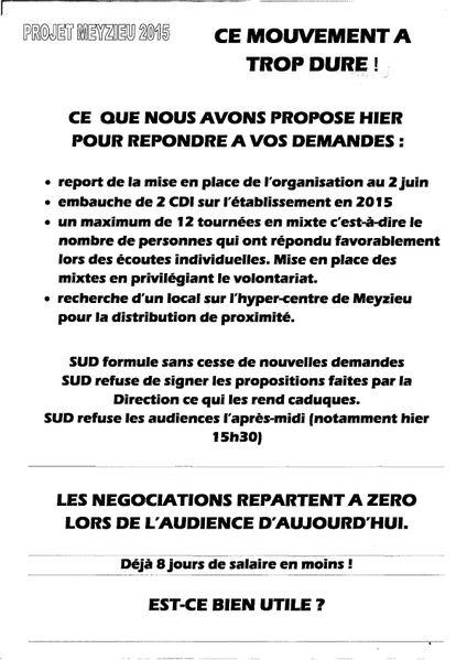 COURRIER-LA-POSTE--agents--GREVE-MEYZIEU-17-12-2014.jpg
