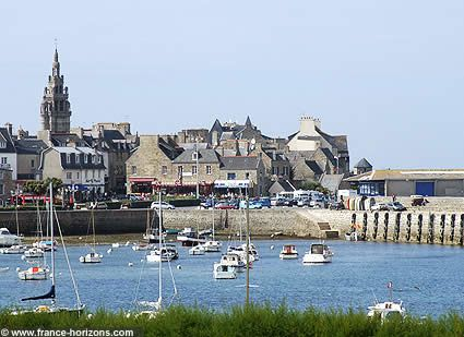 clocher-port-roscoff.jpg