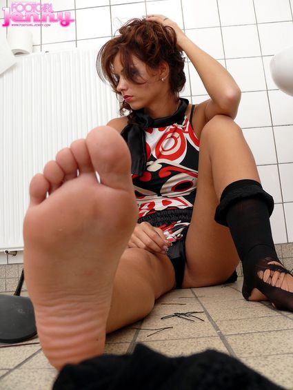 footgirljenny-com-jenny-15