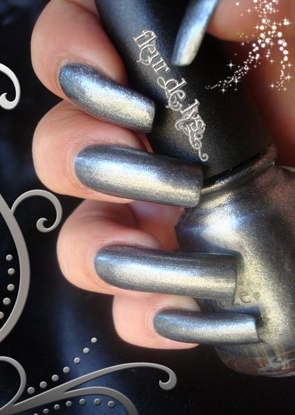 China Glaze Jitterbug ( Vintage Vixen Collection )