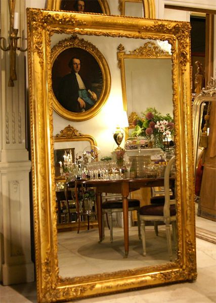 le miroir ancien antiquaires et antiquit s en france. Black Bedroom Furniture Sets. Home Design Ideas