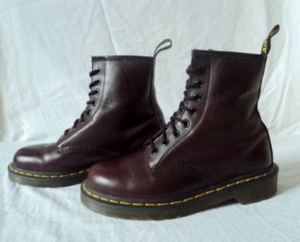 doc martens bordeaux neuve p 38 uk 5 carlita vintage shop. Black Bedroom Furniture Sets. Home Design Ideas