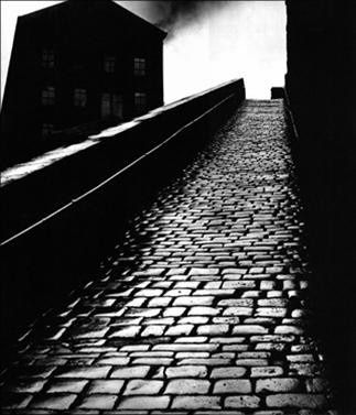 bill_brandt_-_snicket_in.jpg