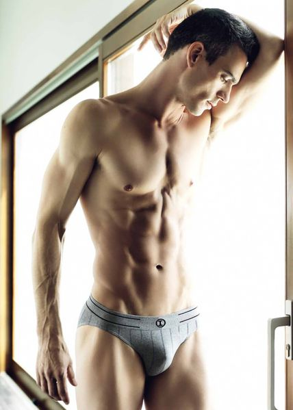 joshua-kloss-impetus-underwear-2013-11.jpg