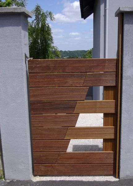 un portillon en lames de terrasse akou91 technical adventures. Black Bedroom Furniture Sets. Home Design Ideas