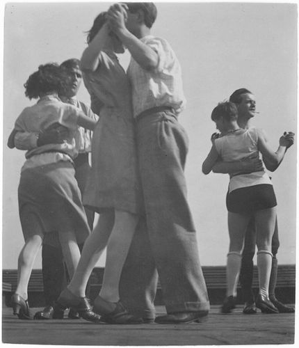 3-Couples-Dancing-on-the-Roof-of-the-Bauhaus--29.jpg