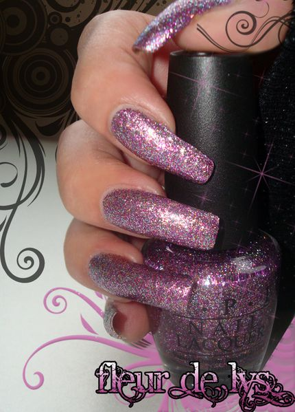 OPI Show it and glow it ! ( Burlesque Collection )