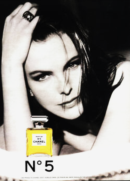 Carole-Bouquet-Chanel.png