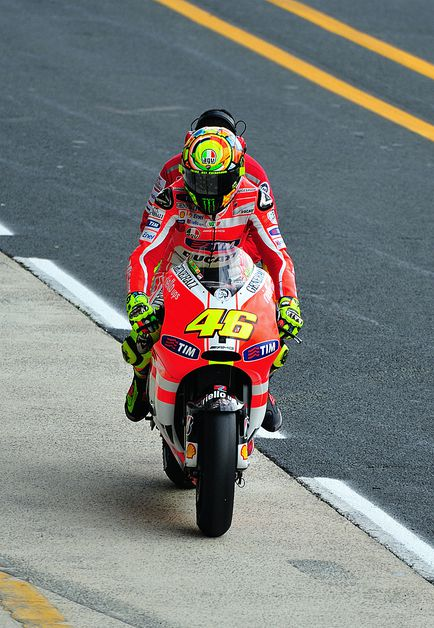 Warm up Rossi 12