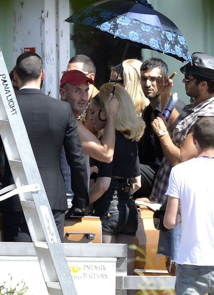 20120618-pictures-madonna-turn-up-the-radio-set-71