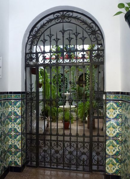SEVILLA---joli-patio--2-.JPG