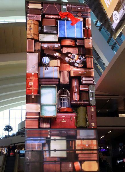LAX-valises.jpg
