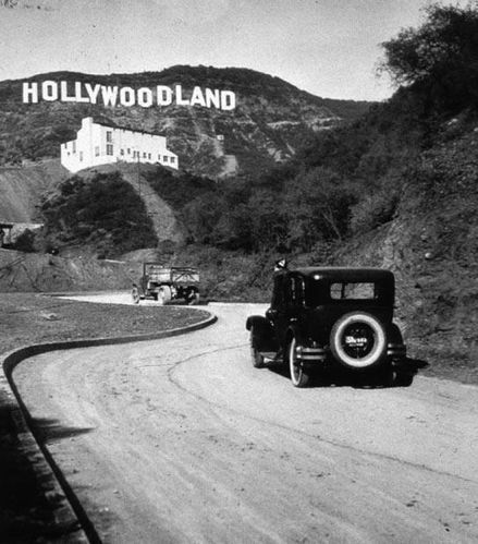 Hollywood-sign-before-1949.jpg