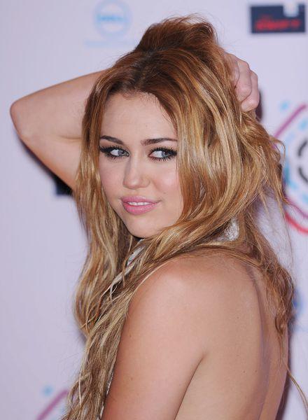 le sein de Milley Cyrus (2)
