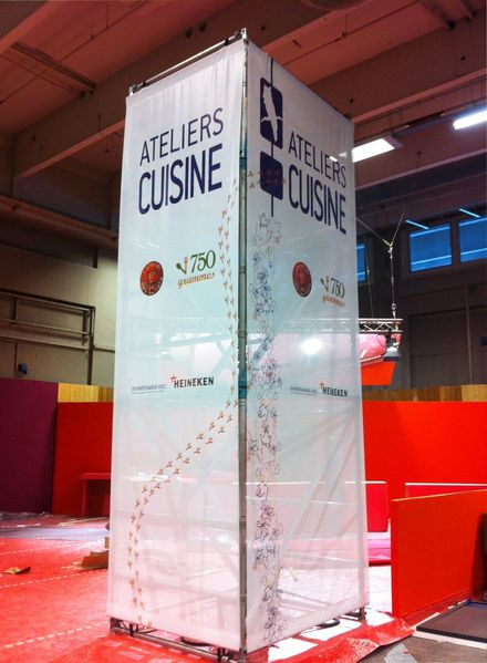 Totem grand format de salon expo for Structure stand salon