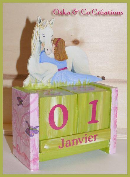 cheval-couche-et-jeune-fille-Oska---Co-Creations-calendri.jpg