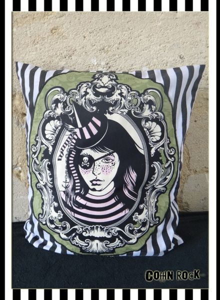 coffinrock-coussin-piraterayé1