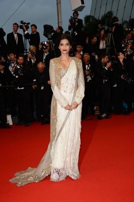 Sonam-Kapoor-at-The-Great-Gatsby-Premiere-at-Cannes-Film-Fe.jpg