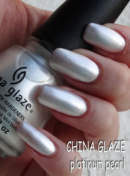 CHINA-GLAZE-platinum-pearl-04.jpg