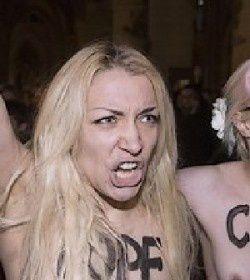 FEMEN-paques.jpg