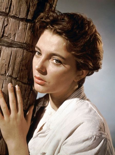 Joan Collins17