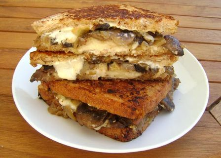 Grilled-Cheese-ou-Croque-aux-Champignons-2.JPG