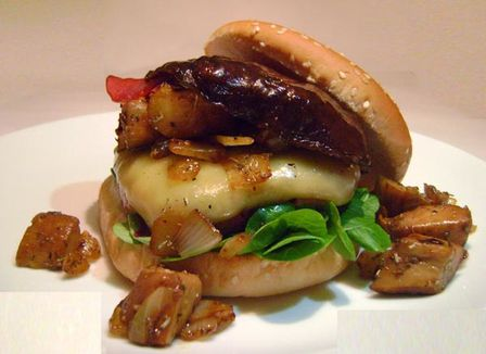 Hamburger-aux-Cepes.JPG