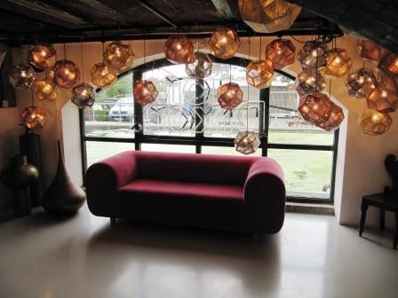 Tom-Dixon-London-Shop---Sofa---by-Deco-Design-Anglais.JPG