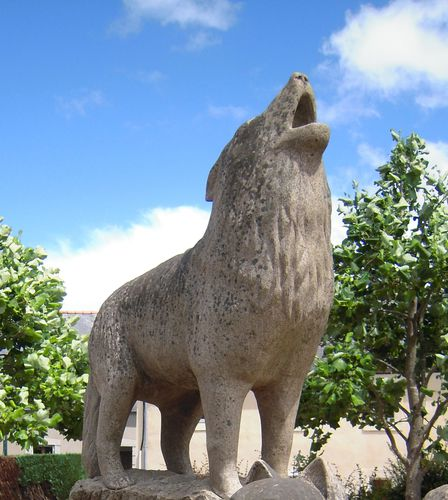 le monument aux loups.(détail.)