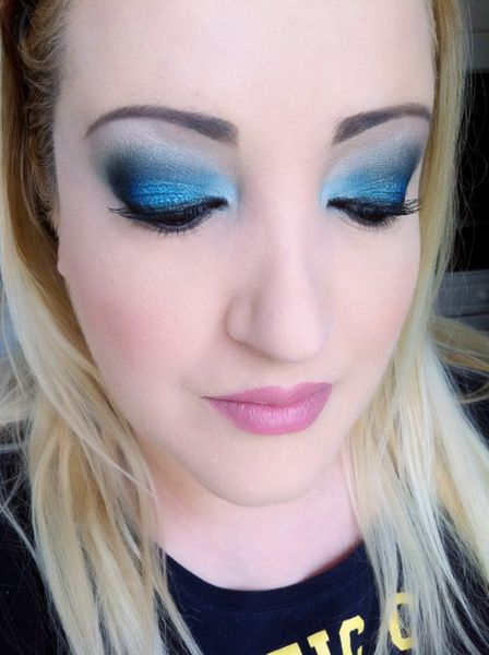 makeup-totally-blue 3257