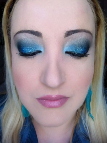 makeup-totally-blue 3425