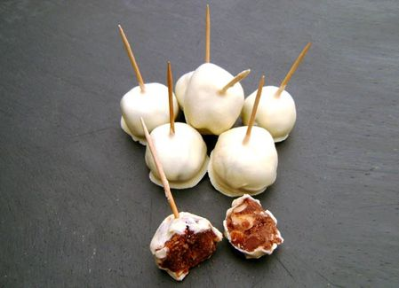 Mini-Cake-Pops-Chocolates-2.JPG