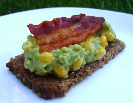 Canapes-Avocat-Mais-Bacon.JPG
